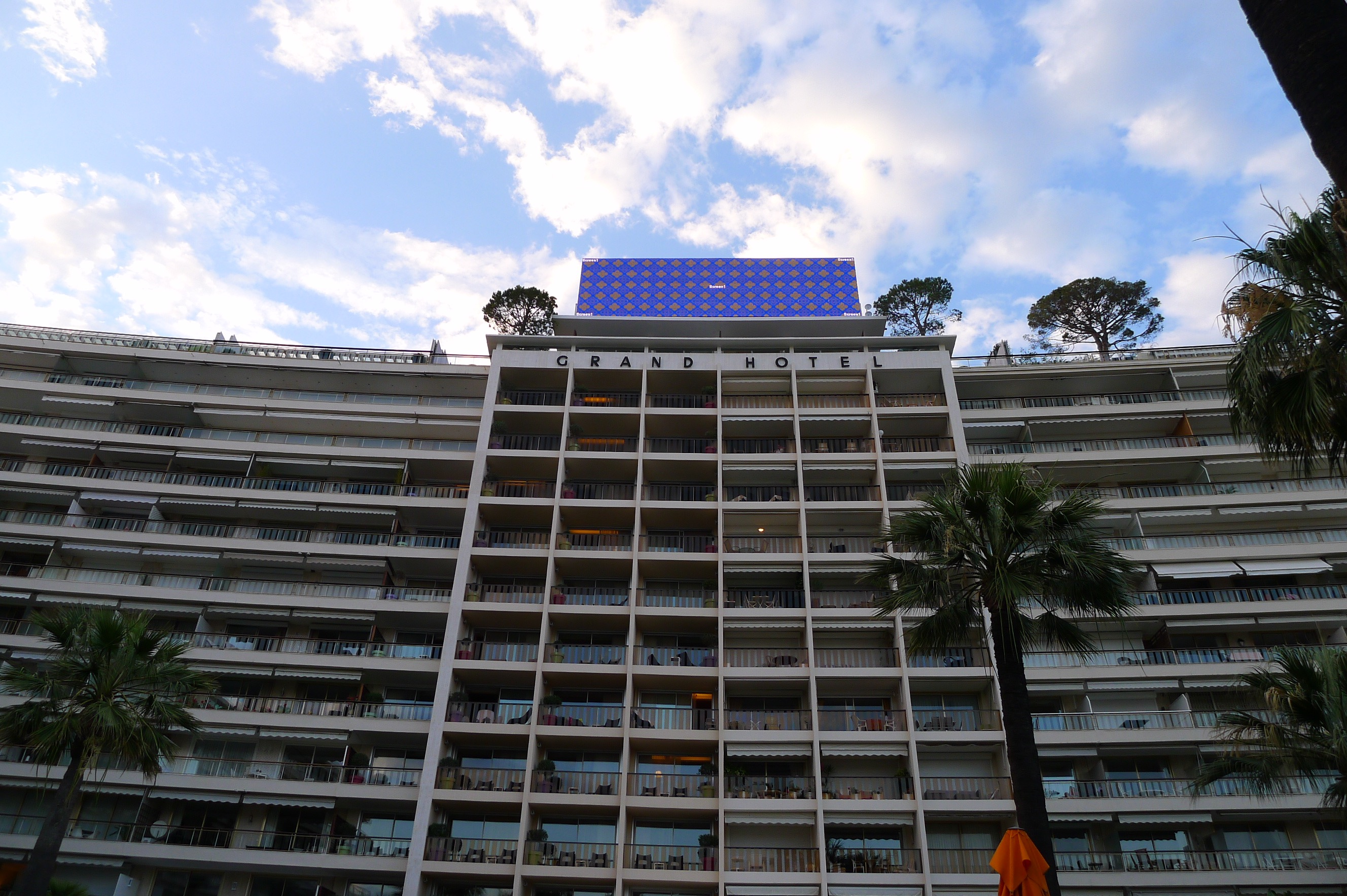 Installing truss grid on Grand Hotel Roof, Cannes (4)