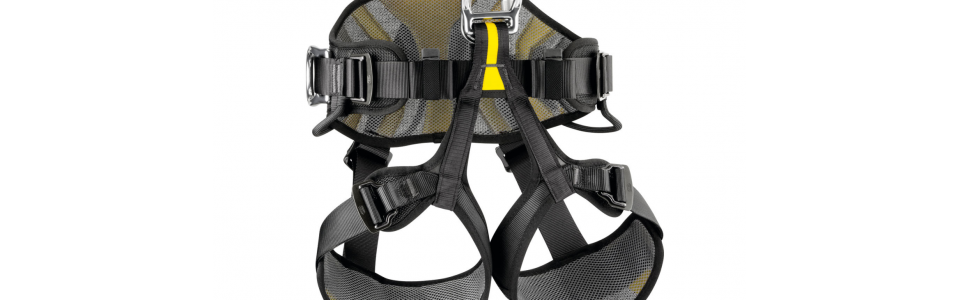 The Petzl AVAO BOD features wide, semi-rigid waist belt and leg loops that provide excellent support. Its lightweight, breathable construction maximises airflow.