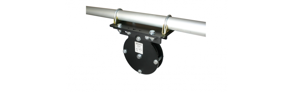Doughty Heavy Duty Universal Mounting Plate (Pulley shown for illustrative purposes only)